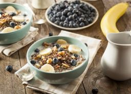 Quinoamuesli met fruit en noten